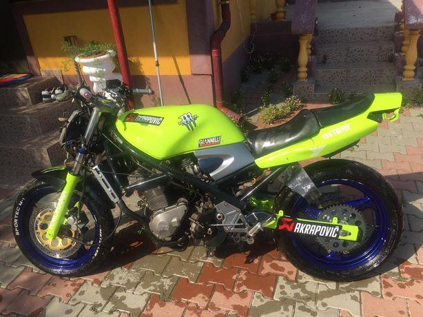 Dezmebrez Suzuki Bandit 400