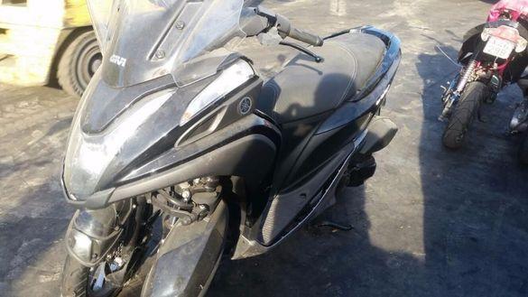 Мотоциклет;скутер Ямаха трисити125 (yamaha triciti )-НА ЧАСТ