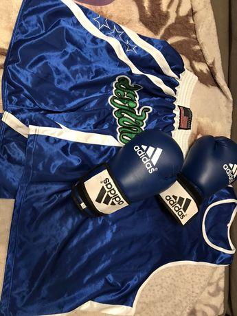 Форма боксерская и перчатки