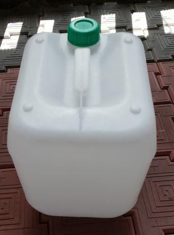 Продам пластиковые конистры!!!