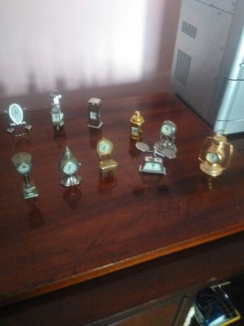Vand colectie ceasuri miniatura