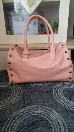 Нови!!!Дамски чанти на Avon и Paulo Bucci