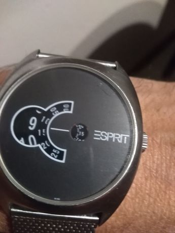 Продавам мъжки часовник