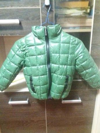 Продам курточку на мальчика осень-весна