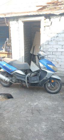 Продам скутер в нерабочем состоянии