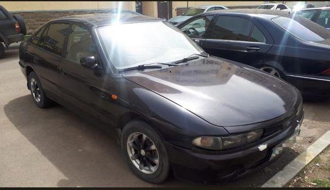 Продам машину Mitsubishi golant