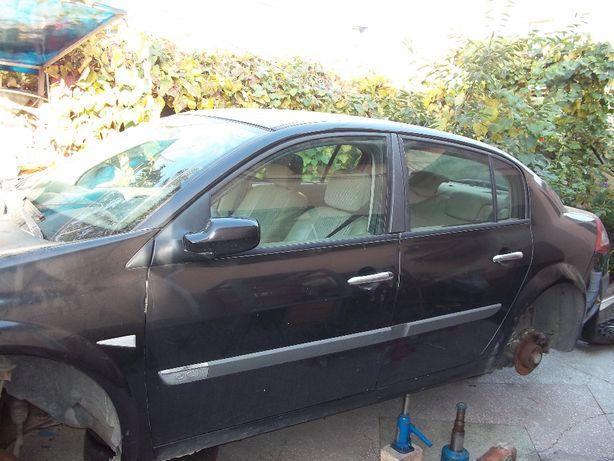 Dezmembrez Megane 2 din 06.2006, 1.5 dci, 60 kw, sedan, culoare neagra
