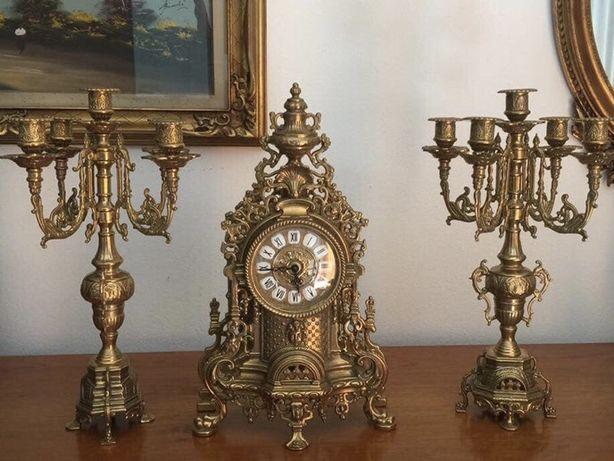Tris ceas cu 2 sfesnice  in bronz