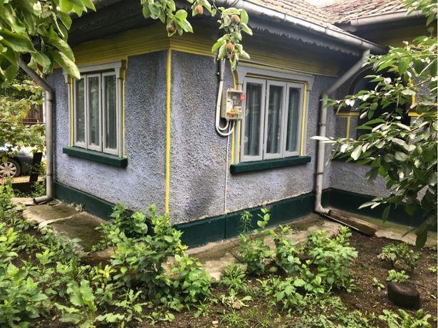 Casa batraneasca + teren stefanestii de jos central