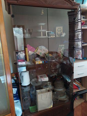 Шкаф витрину продам производство Италия