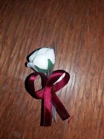 Vand Cocarde (flori de pus in piept nunta/botez)