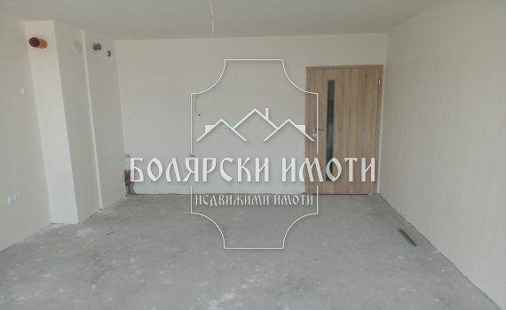 ЮЖЕН тристаен с паркомясто гр. Велико Търново - image 1