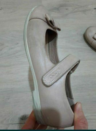 Туфли для девочки  фирмы Ессо