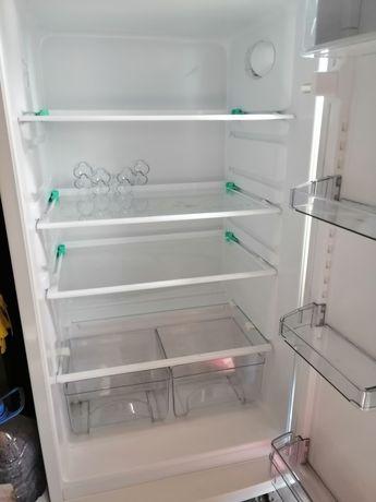 Холодильник атлант, пользовались 3 месяца в рабочем состоянии