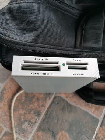 Vand adaptor pentru carduri cu conectare direct la Pc, pret 20 de lei