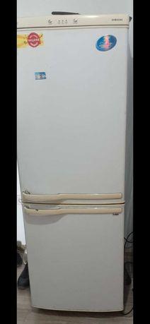 Холодилник 10000 тг
