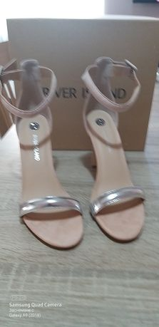 Дамски сандали нови