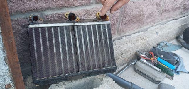 Радиатор печки на БМВ е34, климат контроль, рабочий проверен. 30 000
