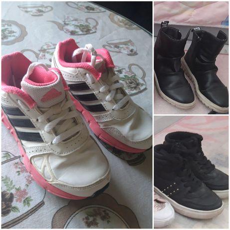 Обувки за момичета в добро състояние.