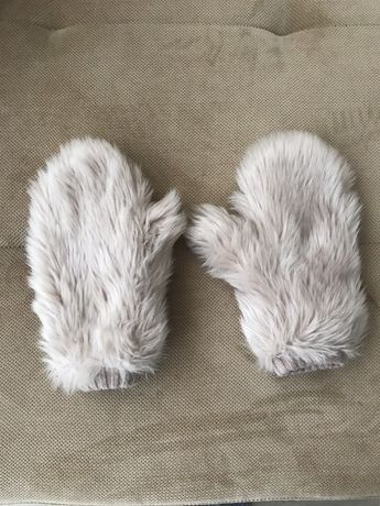 Пухени ръкавици бледо розово