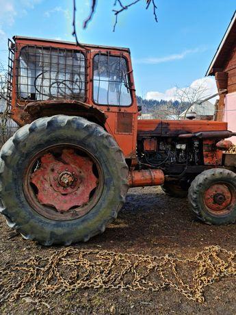 Tractor u651 forestier