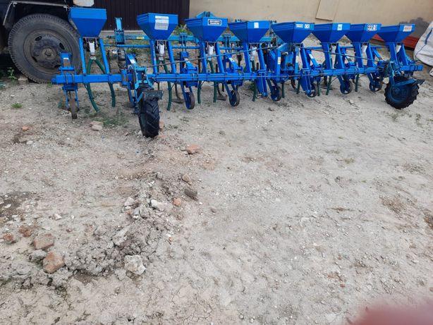 Prasitoare Mecanica Ceahlau CF9\EFR9 cu fertilizare,cultivator