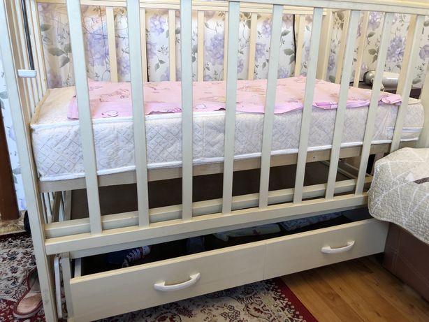 Срочно продам Кровать детскую цена только 3 дня