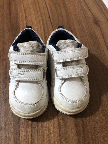 Adidasi Nike 22