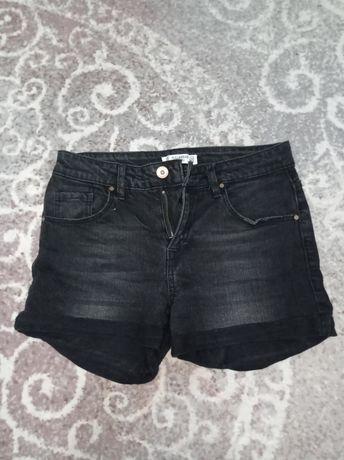 Продам черные шорты