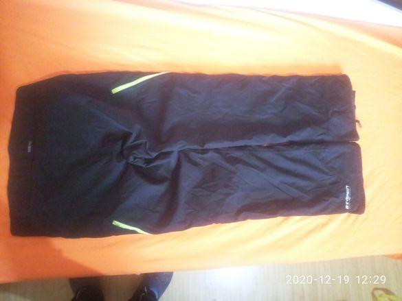 Продавам качествен трекинг туристически панталон с мембрана
