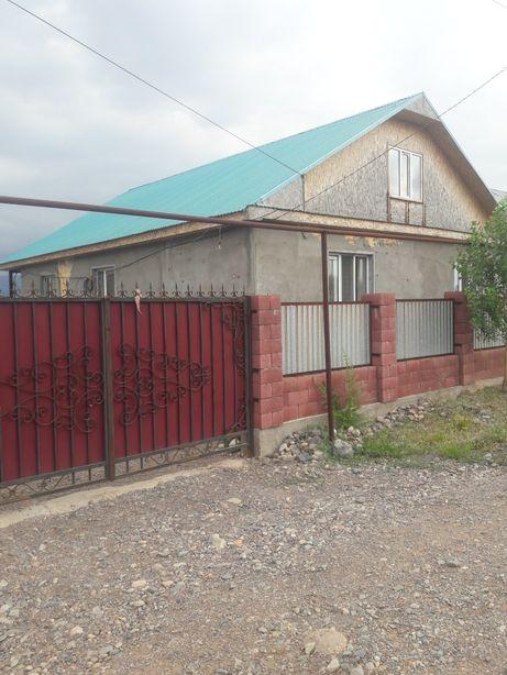 Продается дом или обмен на квартиру(2-3комнатную) в Алмате.