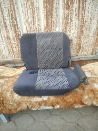 Продам кресла на делику