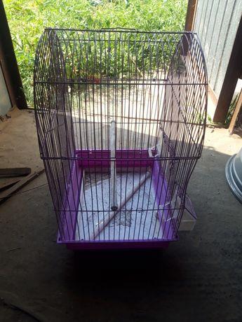 Продам 2 клетки для попугаев