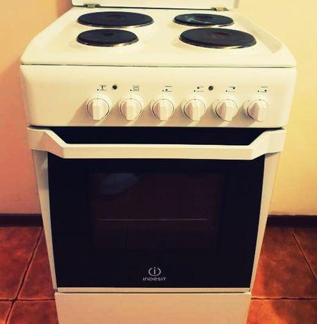 Продам электрический печь всё работает стоит в Сортировке