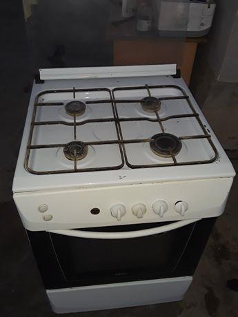 Газовая плита в хорошом состоянии