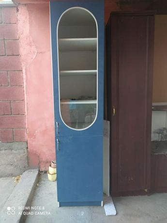 кухонный шкаф с полками