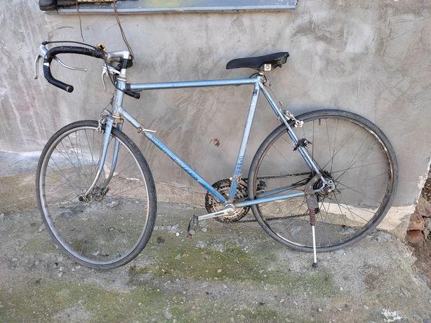 Bicicletă cursieră