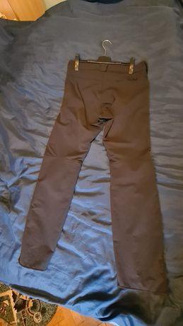 Vând pantaloni softsheel Salomon