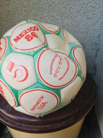 Minge de fotbal veche  pentru colectionari ,vintaje