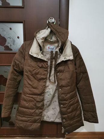 Осенний куртка с капюшоном