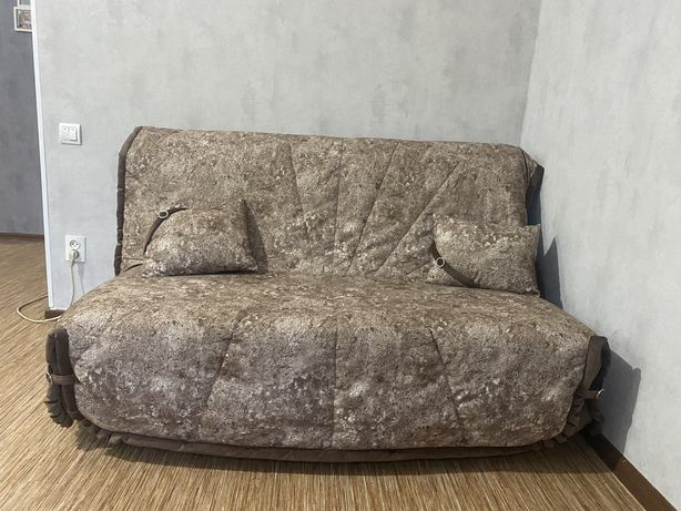 Продам отличный диван преобритался в феврале этого года за 128тыс.