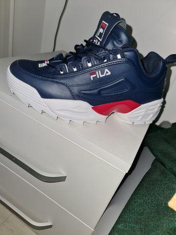 Adidasi FILA model deosebit!!44 si 1/2 29 cm