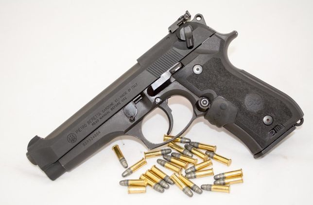 Arma Airsoft Pistol F.PUTERNIC CO2 V.2 Aer Comprimat Beretta M9 TYTAN