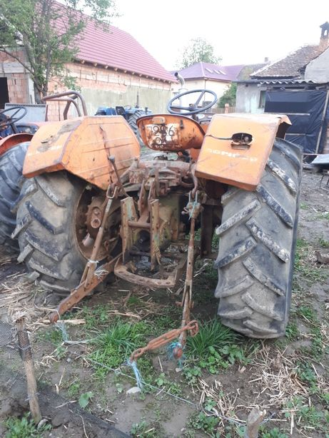 Piese din dezmembrare tractor Fiat 615