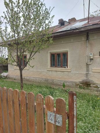 Vând casa Radu Voda