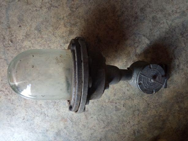 Продам уличный фонарь (светильник)