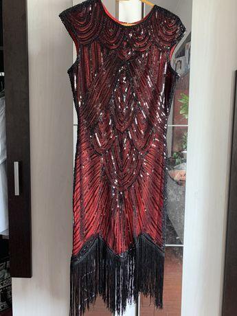 Женское платье с паетками