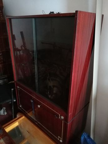 Vitrina sufragerie