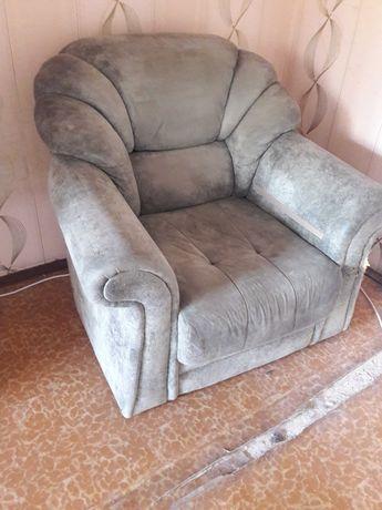 Продам диван не дорого