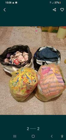 Отдам(обмен)4 пакета детские вещи читайте описание